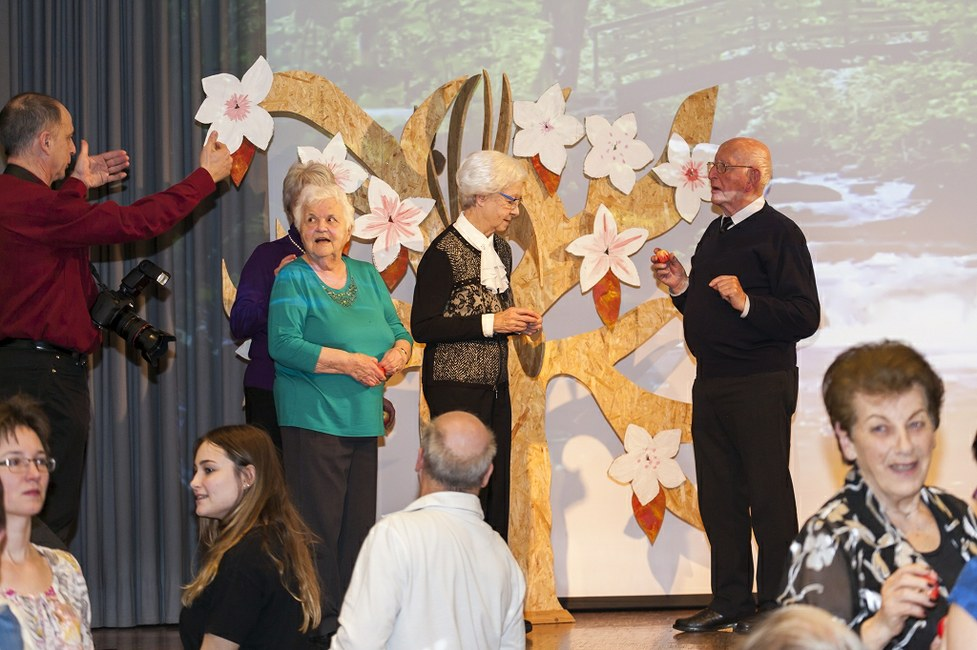 "(<a class=""download"" href=""http://www.sanktgallus.ch/freiwillige/begleitung-und-wertschaetzung/dankeschoen-abend-2016/dankeschoen-abend-2016-foto-garon-ch-13/at_download/image"">Download</a>)"
