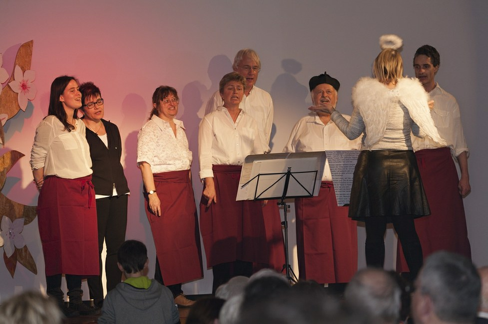 "(<a class=""download"" href=""http://www.sanktgallus.ch/freiwillige/begleitung-und-wertschaetzung/dankeschoen-abend-2016/dankeschoen-abend-2016-foto-garon-ch-19/at_download/image"">Download</a>)"