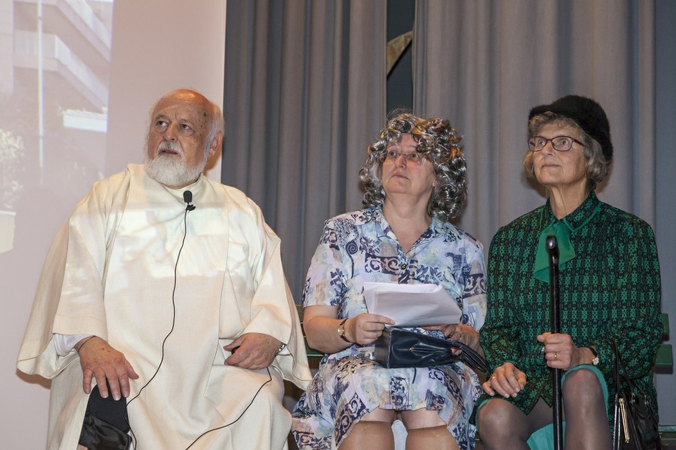 "(<a class=""download"" href=""http://www.sanktgallus.ch/freiwillige/begleitung-und-wertschaetzung/dankeschoen-abend-2016/dankeschoen-abend-2016-foto-garon-ch-9/at_download/image"">Download</a>)"